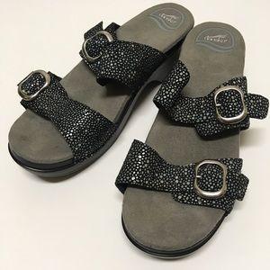 Dansko Sophie Shagreen Leather Buckle Sandals 39